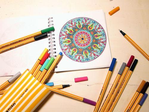 como-pintar-mandalas-relajate-coloreando